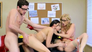 Alexis Fawx and Ariana Marie fucked in pussy to mouth action thumb