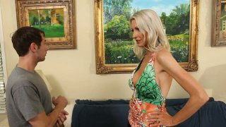 Blond milf Emma Starr gets her pussy licked in the gallery thumb