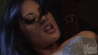 Horny babe Kaylani Lei gets her pussy cleaned in a laundry room thumb