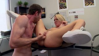 Tall man eats pussy of Krissy Lynn and bangs her missionary style on the desk thumb