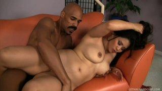 Hardcore interracial scene with Jessica Bangkok and Justin Long thumb