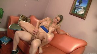 Cougar blonde whore Abbey Brooks rides Ralph Long thumb