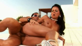 Palatable babe Suzie Diamond gets her asshole drilled in an awesome sex video thumb