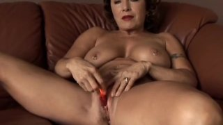 Gorgeous granny with nice big tits fucks her juicy pussy for you thumb