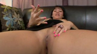 Exotic looking slut Tina Lee rubs her pussy and gives a hot blowjob thumb