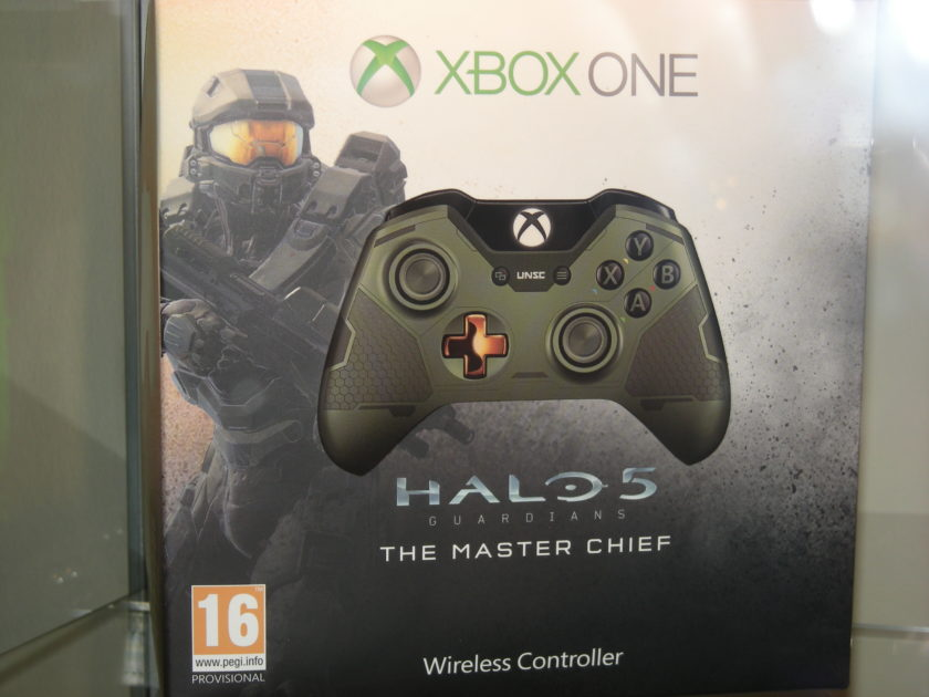 Check Out These Live Detailed Pictures Of Halo 5 And Forza 6 Limited Edition Xbox One Hardware