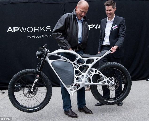 Light Rider, la primera moto eléctrica creada con una impresora 3D - light-rider-motocicleta-3d-3