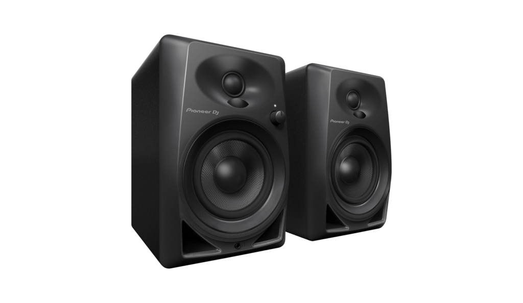 Nuevos monitores de escritorio DM-40 de Pioneer DJ, ya disponibles en México - dm-40_set_low_0328