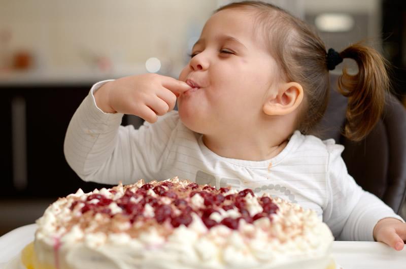 Los dulces y el pan sí son buenos para los niños - ninos-pan-y-dulces