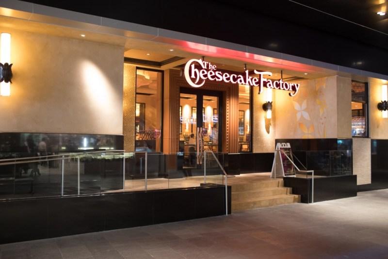 The Cheesecake Factory inaugura su tercer restaurante en México - the-cheesecake-factory-de-parque-delta_2