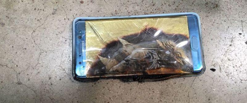 Tamaño irregular de baterías fue causante de explosiones del Galaxy Note 7 - burnt-galaxy-note-7