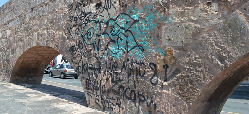 Estudiante crea pintura con materiales naturales que protege edificios de grafitis - pintura-natural-anti-grafitis