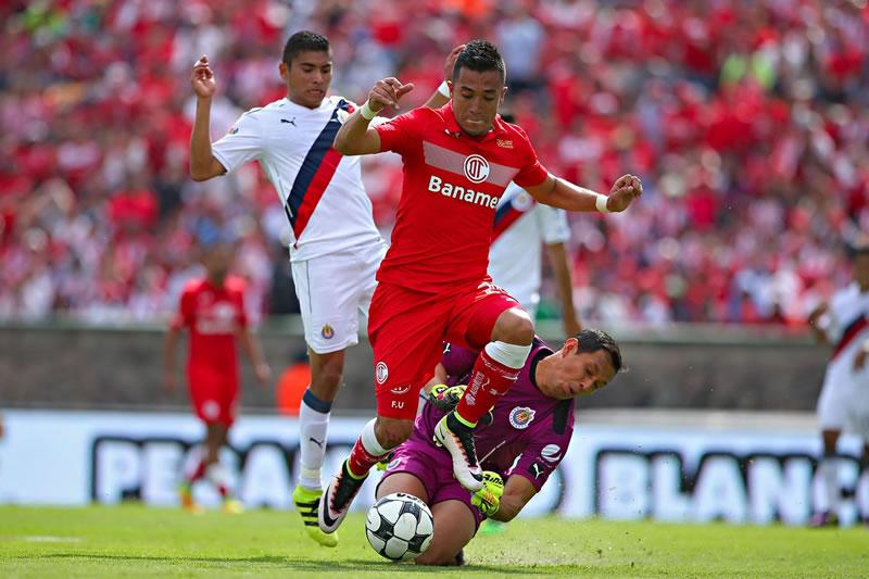 Horario Chivas vs Toluca y opciones para verlo; Jornada 9 Clausura 2017 - horario-chivas-vs-toluca-j9-clausura-2017