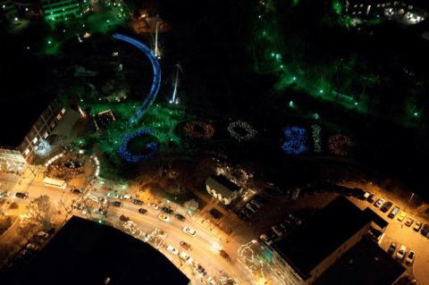 Logo de Google formado por 2000 LEDs - google-greenville