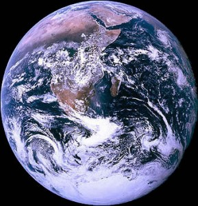 Tips para cuidar el mundo a través de tu celular - dia-de-la-tierra-289x300