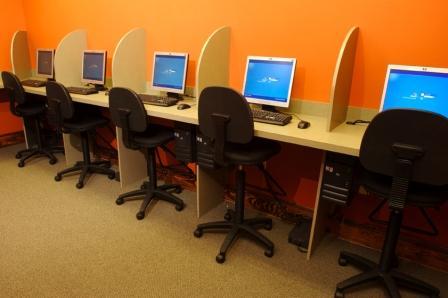 10 cosas prohibidas en un Cybercafe - cybercafe