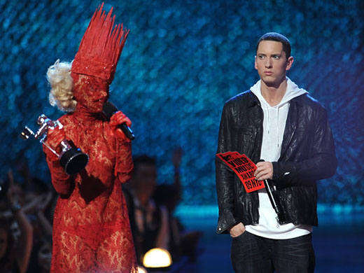 eminem supera lady gaga Eminem supera a Lady Gaga en fans de Facebook