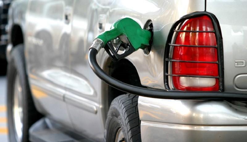 Universitarios crean Zenzzer, una app que verifica el abastecimiento de gasolina en el coche - gasolina-en-mexico-800x459