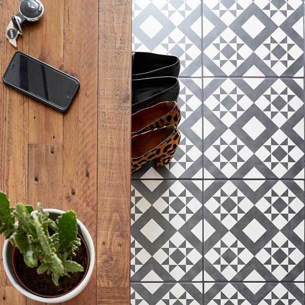 british ceramic tiles retro black feature floor tile bct53606