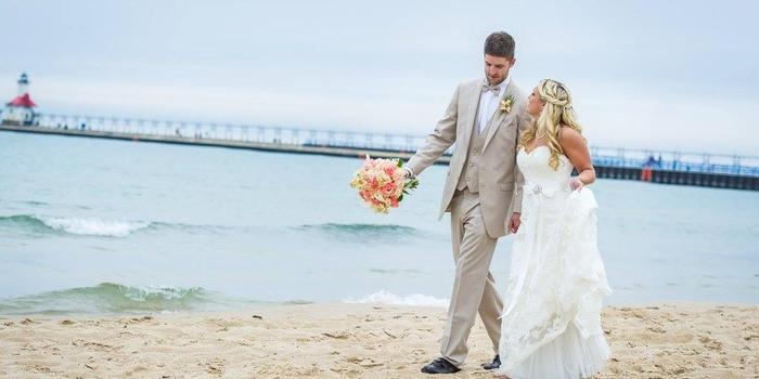 Shadowland On Silver Beach Weddings Get Prices For Wedding Venues In Mi