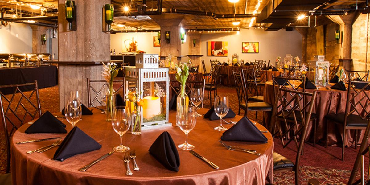 Max S Wine Dive Austin Weddings Get Prices For Wedding Venues