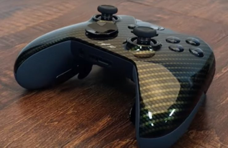This Glamour Carbon Fiber Titan Elite Xbox One Controller Lets You Stand Out