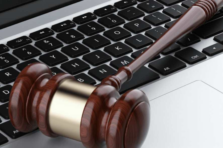 best laptops for law school and lawyers (1)