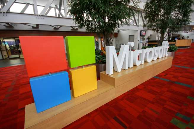 Microsoft goes after beebom