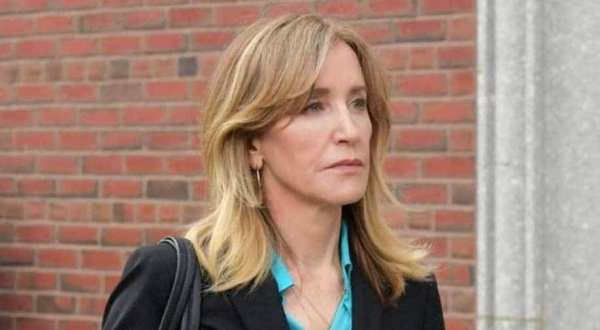 Felicity Huffman first time spotted in green prison uniform