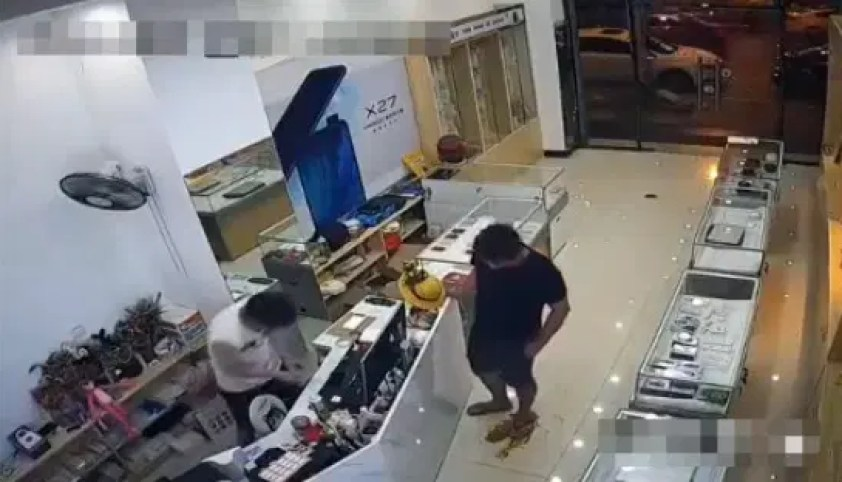 Video: Man Accidentally Sharts Himself in Shop, Calmly Stands In Own Crappy Puddle - WORLD OF BUZZ
