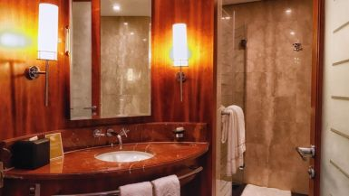 jumeirah_emirates_towers_hotel_review_worldtravlr_net-1