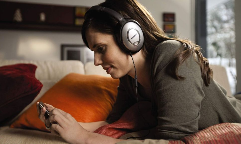 Bose_QuietComfort_15_headphones