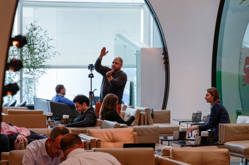 oculus_rift_turkish_airlines_lounge_istanbul_video_making_of-8