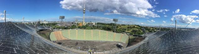 Blick vom Zeltdach Olympiastadion München (c) WORLDTRAVLR