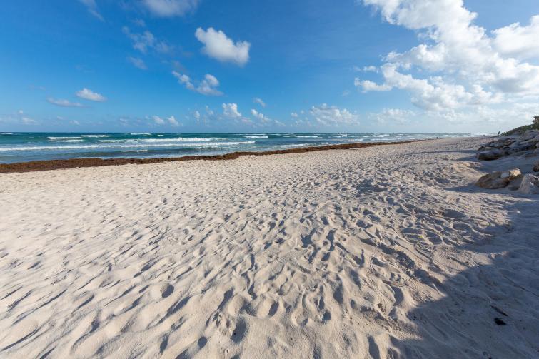 Ruhigerer Strand an dem Hacienda-Hotelpart