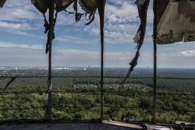 Blick über Berlin auf dem Weg zu höchsten Kuppel des Teufelsberges