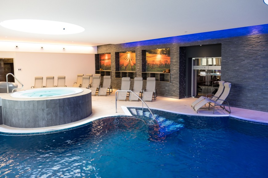 Binshof Spa - Whirlpool + Wellnesbad