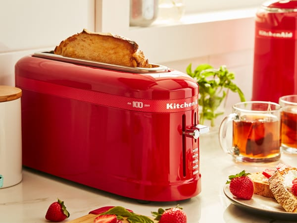 QUEEN OF HEARTS TOASTER DER DESIGN COLLECTION IN