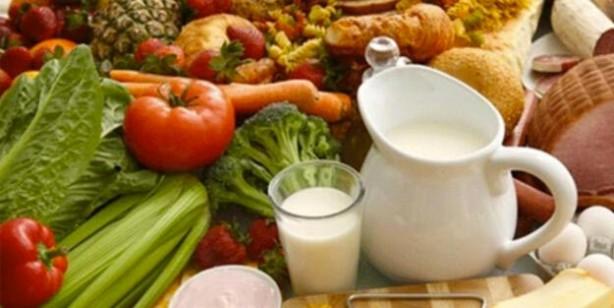 Foto - BAĞIŞIKLIK SİSTEMİNİ GÜÇLENDİREN GIDALAR – Greyfurt – Portakal – Mandalina – Limon – Kırmızı biber – Brokoli – Sarımsak, soğan – Zencefil – Ispanak – Yoğurt – Badem – Zerdeçal – Yeşil çay