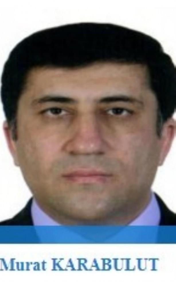 Foto - FETÖ'nün bir dönem 'MİT imamı' olan Murat Karabulut, 4 Şubat 2014'te firar ettikten sonra 'Asya İmamı' olarak görevlendirildi. 17/25 Aralık süreci ve MİT'e kumpastan yargılanan Karabulut, FETÖ elebaşının yanında.