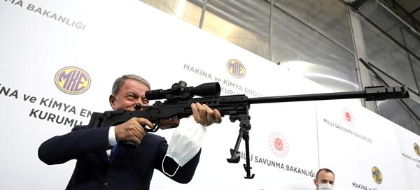Foto - Bakan Akar ve TSK Komuta Kademesi ilk olarak Millî Savunma Bakanlığı'nın İlaç Fabrikası'nı ziyaret etti.