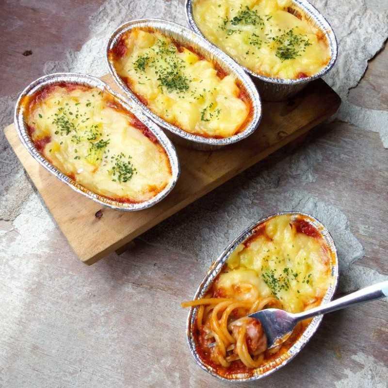 makanan kekinian Spaghetti Brulee