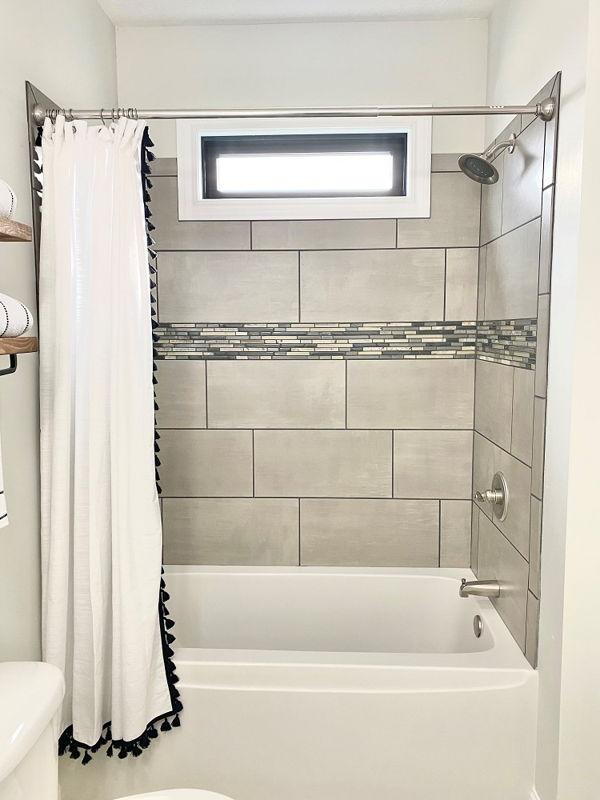 shower tubs