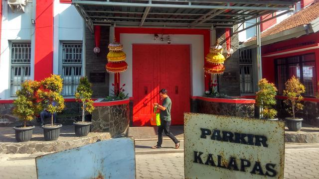 Lapas Sukamiskin, Bandung, Jakarta.