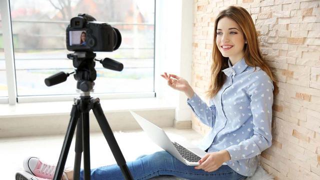 Ilustrasi jadi vlogger