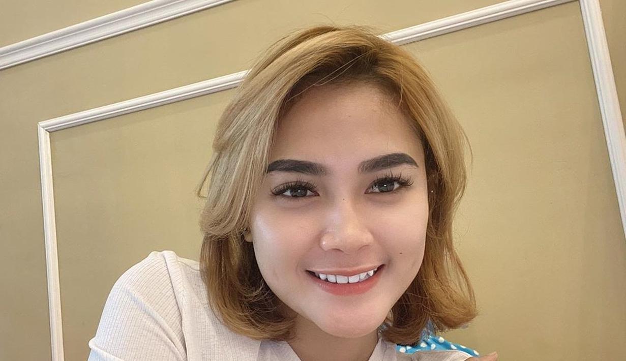 Foto Pesona Arlida Putri Dengan Berbagai Gaya Rambut Memesona Surabaya Liputan6 Com