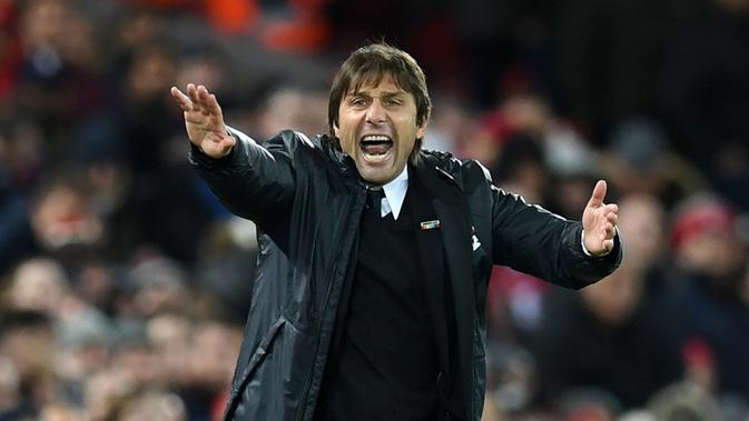 Antonio Conte, kabarnya tengah diincar AC Milan (AFP/Paul Ellis)