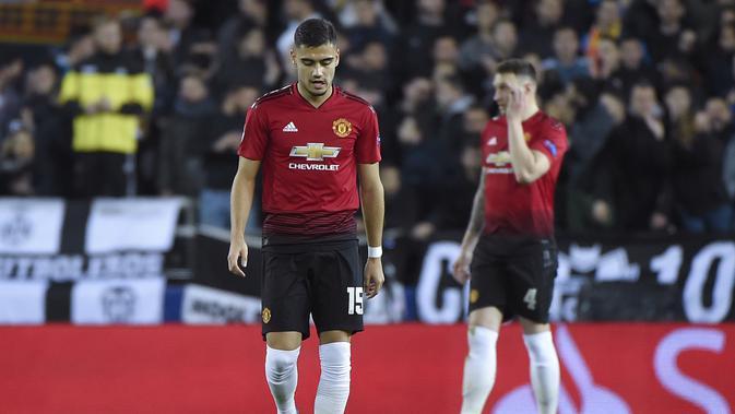 Manchester United gagal di empat kompetisi, Liga Inggris, Liga Champions, Piala Liga Inggris, dan Piala FA. (AFP/Jose Jordan)