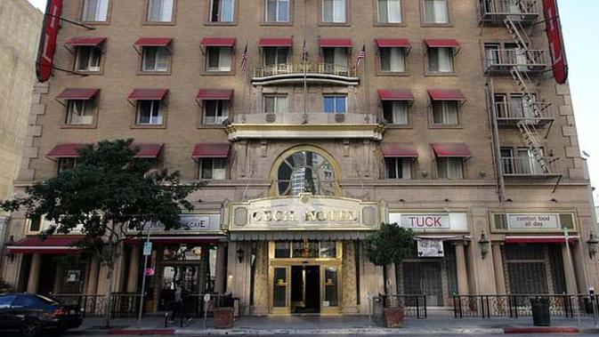 Foto Penampakan Hantu Menggantung Di Hotel Cecil Los Angeles Global Liputan6 Com