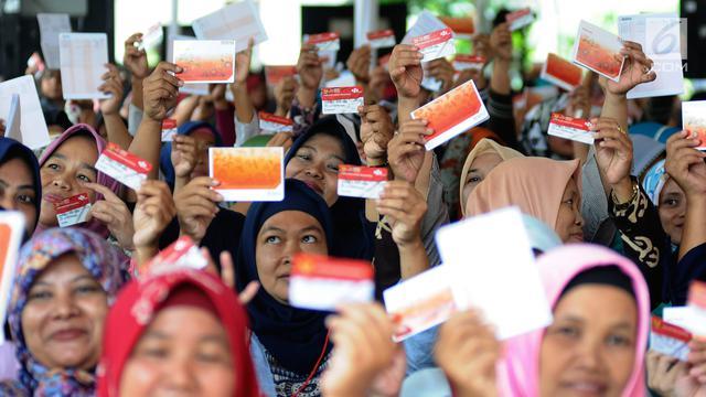 Antusiasme Warga Depok Terima Bantuan Sosial PKH